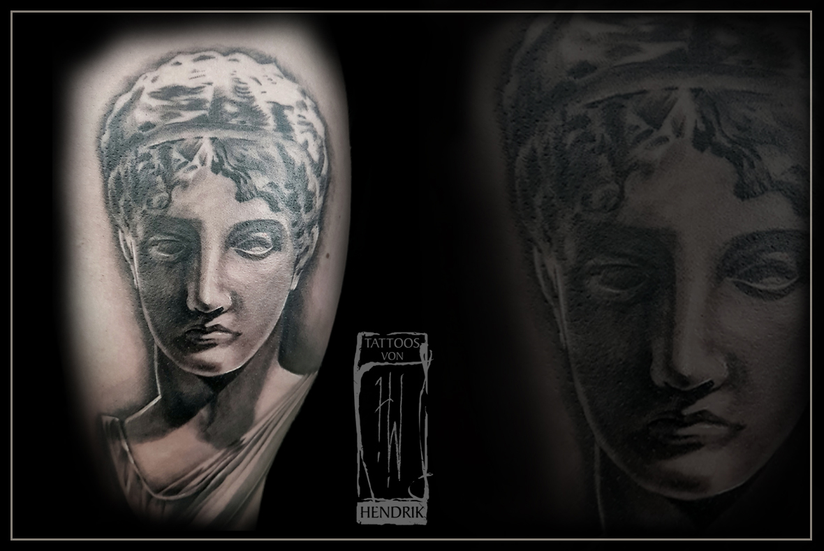 Tattoo Aphrodite in Black&Grey